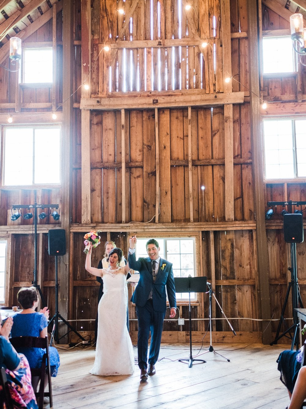 Minnesota Barn wedding photographer at Bloom Lake Barn in Shafer, MN