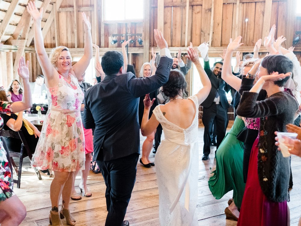 Minnesota Barn wedding at Bloom Lake Barn in Shafer