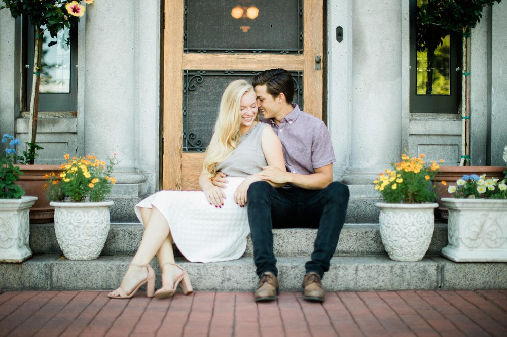 Glensheen Mansion Duluth Engagement Session