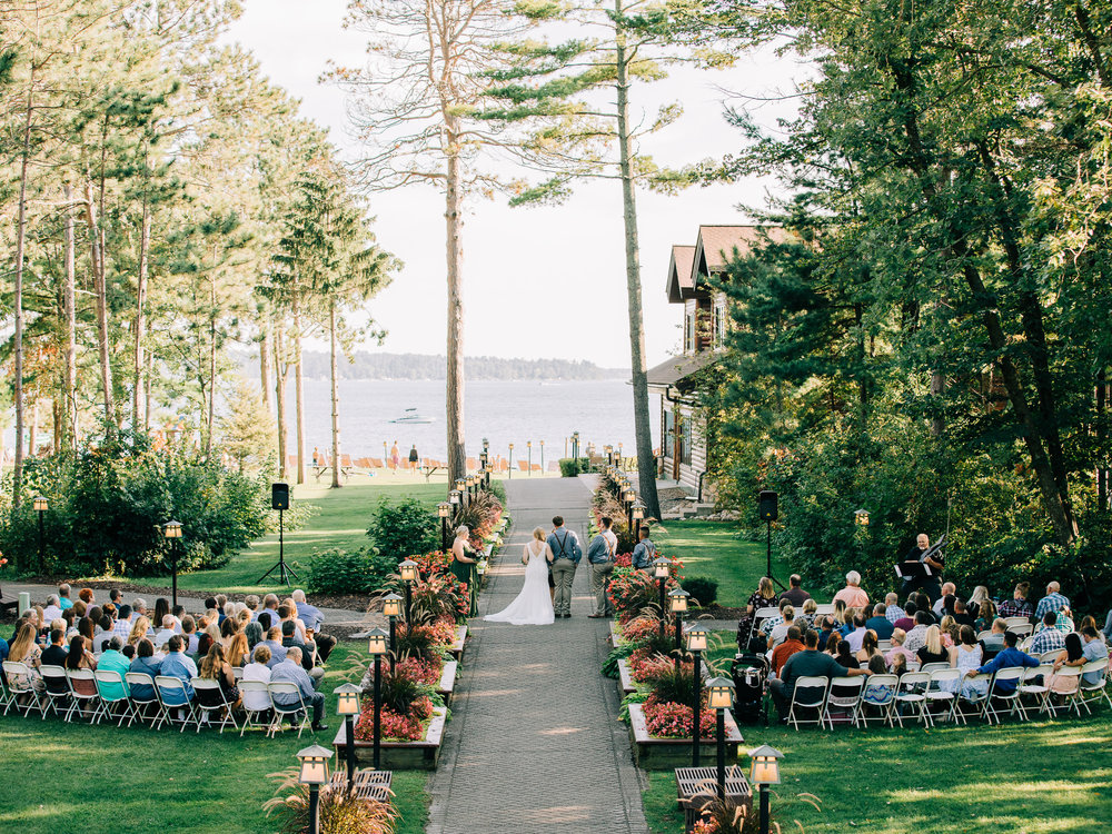 Grand_View_Lodge_Wedding_in_Nisswa_on_Gull_Lake