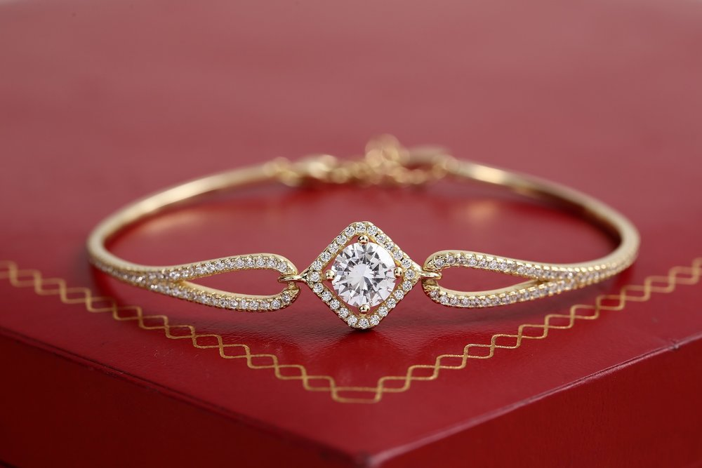 gold-jewelry-3790542_1920.jpg