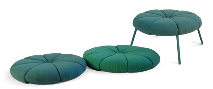 Um Sistema de Móveis - coleção Woonling da designer de produtos polonesa Karoline Fesser, que hoje tem seu Studio na Alemanha.