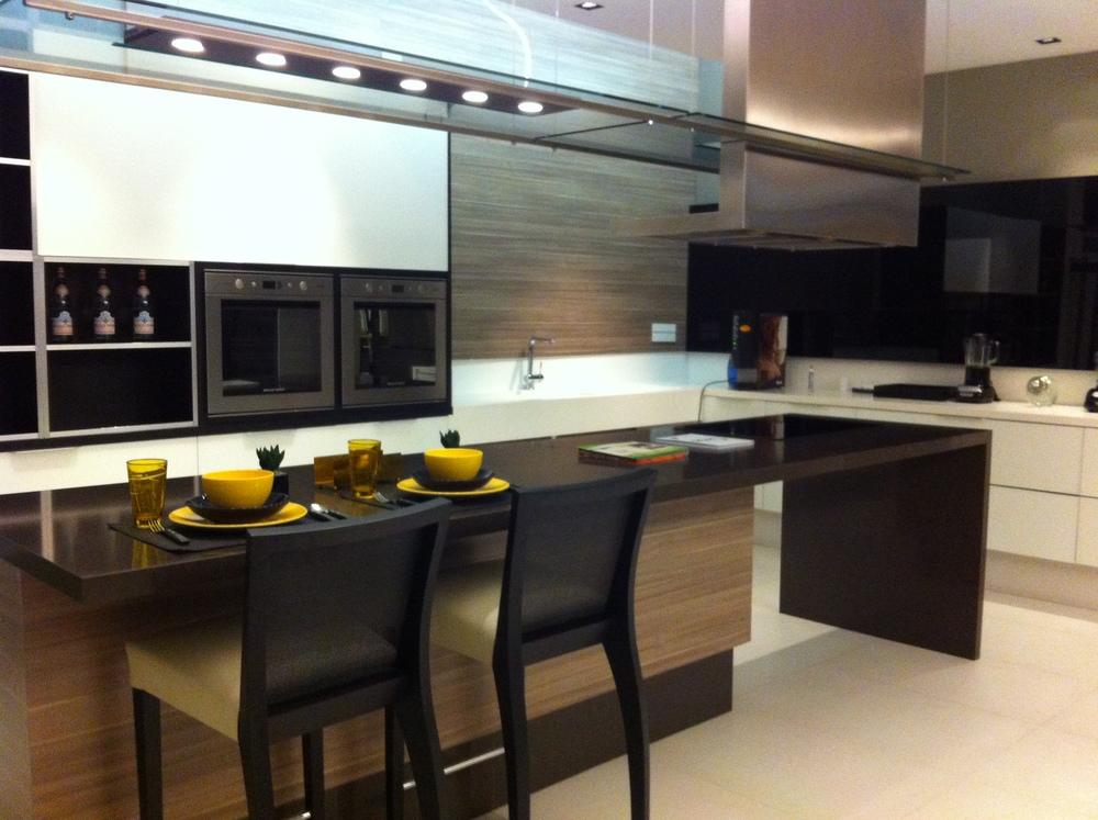 Cozinha planejada na Allgram antes da ambientação - Fonte: Arquivo do Madi Arquitetura e Design