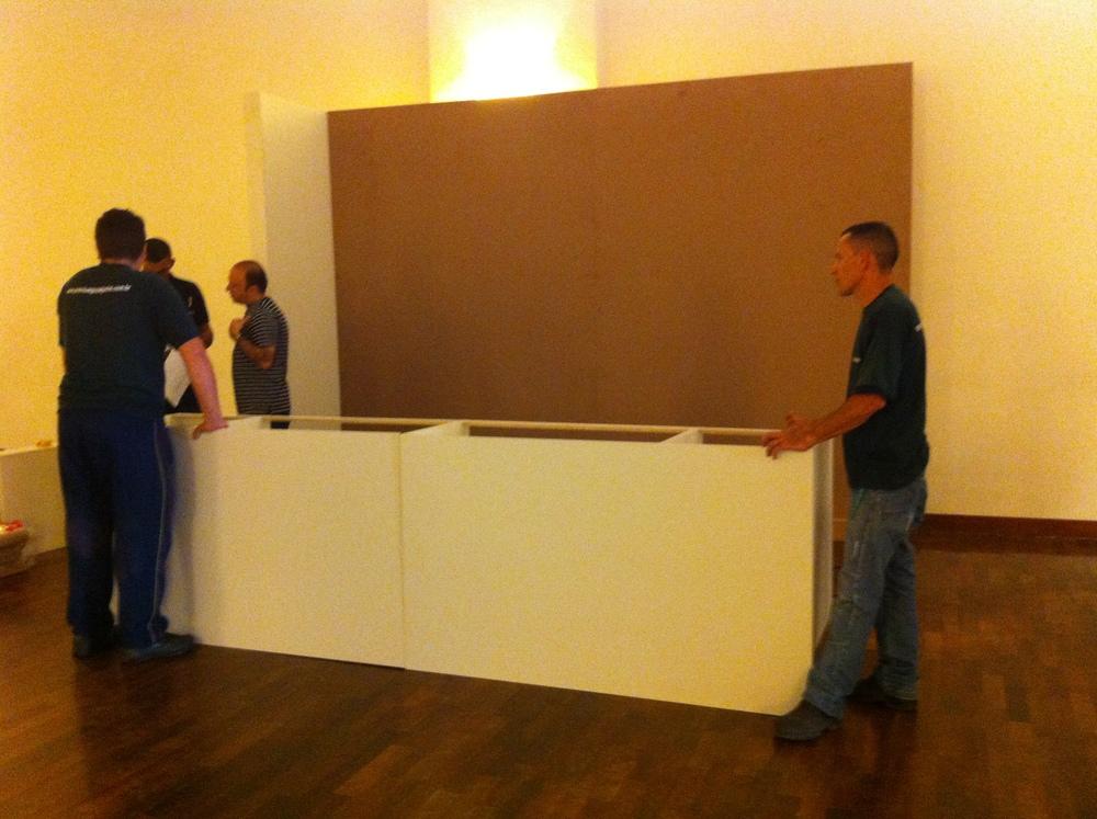 Início da montagem dos armários no Domingo, 26/08 - Foto: Acervo Madi Arquitetura e Design