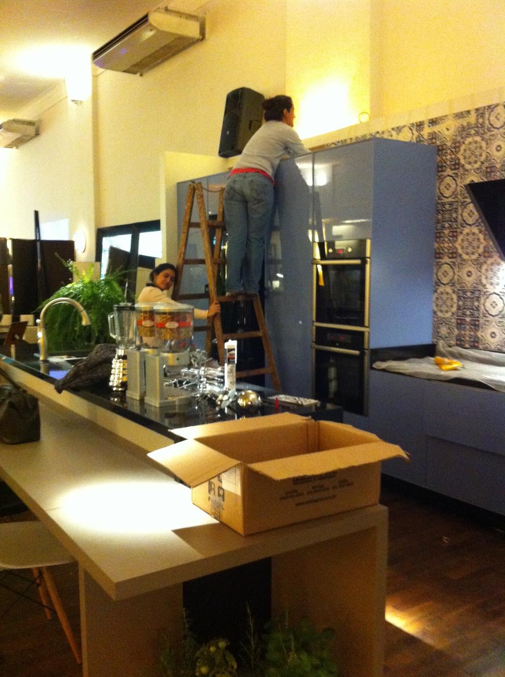 Finalização da instalação dos azulejos - Foto: Madi Arquitetura e Design