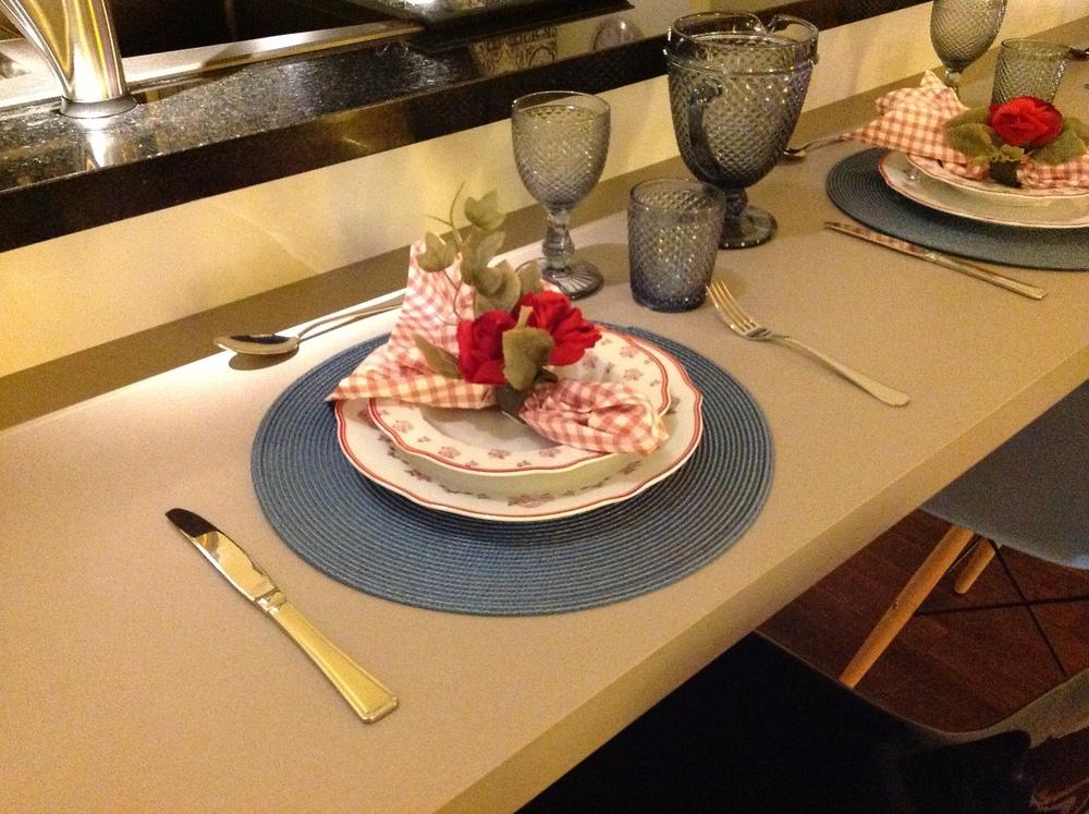 Detalhe da decoração da bancada de refeição - Foto: Acervo Madi Arquitetura e Design