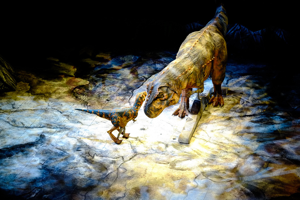 Walking with Dinosaurs - Mother T-Rex with child