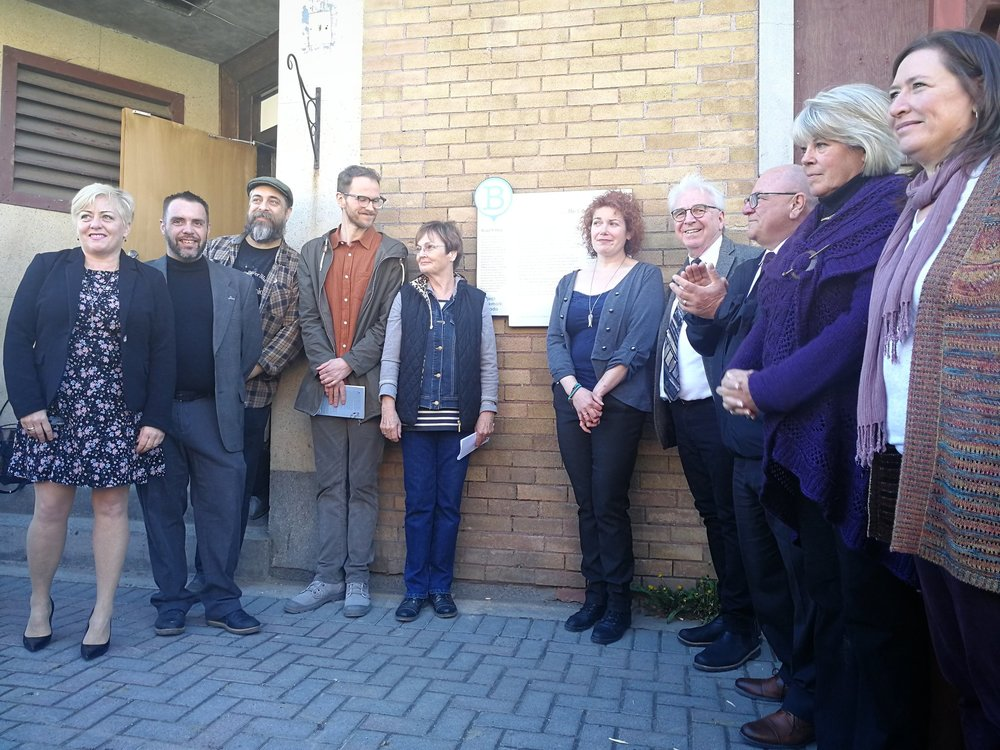 Project Bookmark Canada's Laurie Murphy, Reading Town Sudbury's Derek Young, Townhouse Tavern's Paul Loenburg, Novelist Matthew Heiti, Sudbury Arts Council's Judi Straughn, Poet Laurette 2015-17's Kim Fahner, National Reading Campaign's Sandy Crawley, Sudbury Mayor Brian Bigger, Deputy Mayor Joscelyne Landry-Altmann, Wordstock's Heather Campbell.
