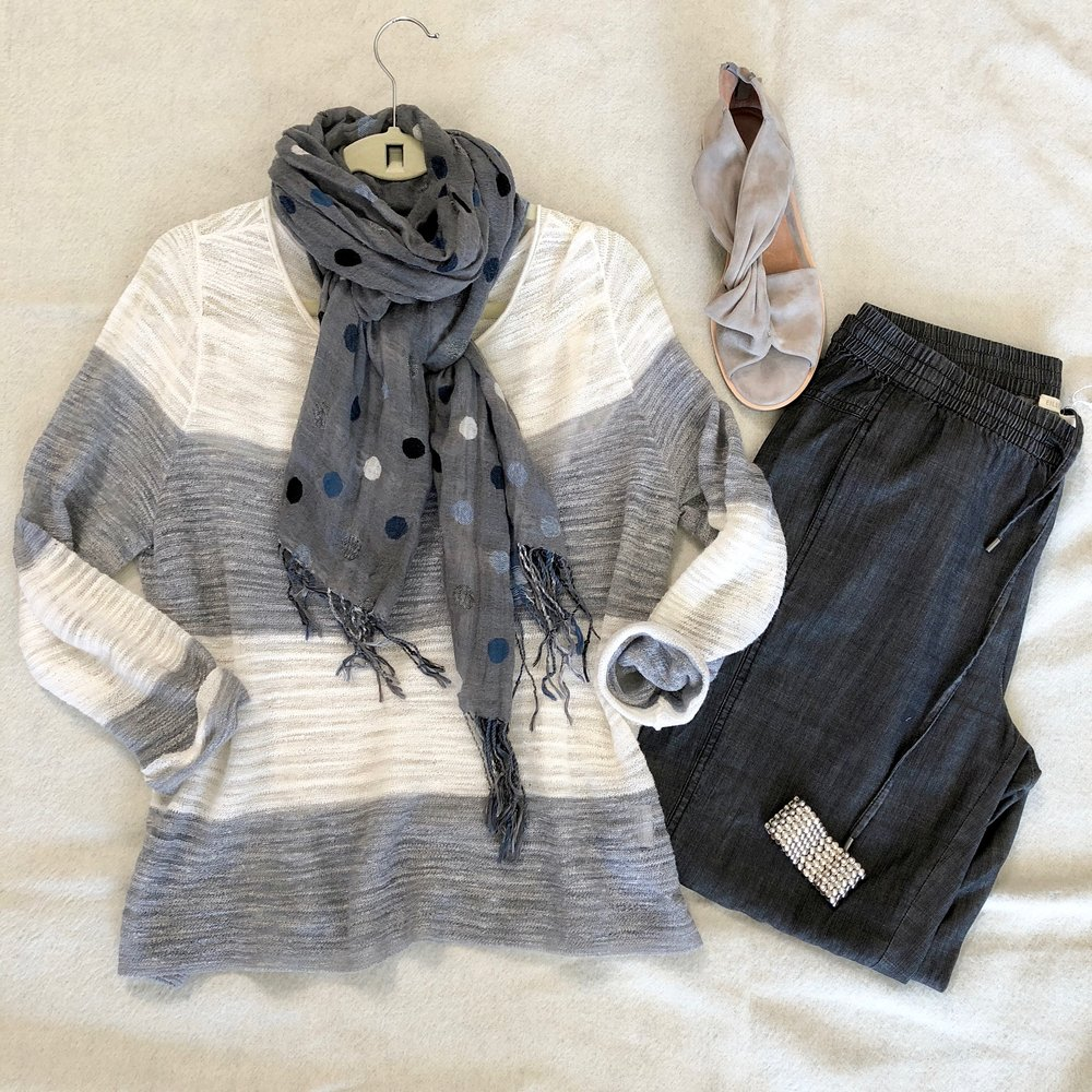 Stripes and dots in grey and ivory create a casual, comfortable and creative outfit for travel.