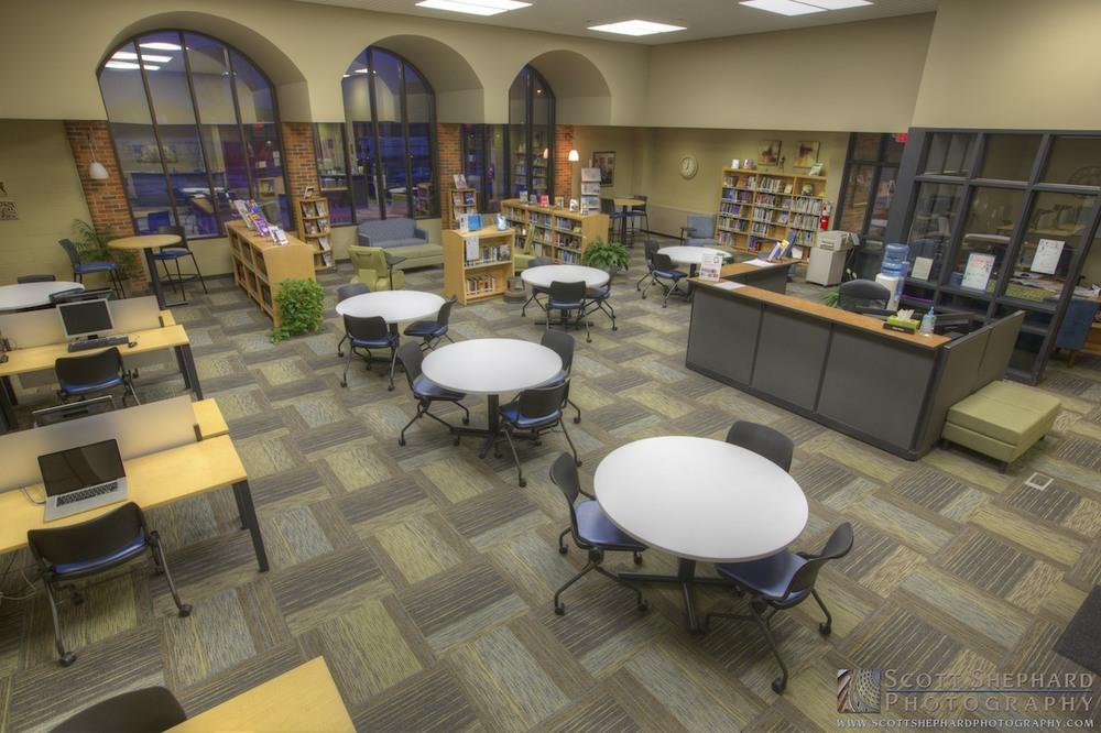 LATI Library (Office Peeps) _MG_6764.jpg