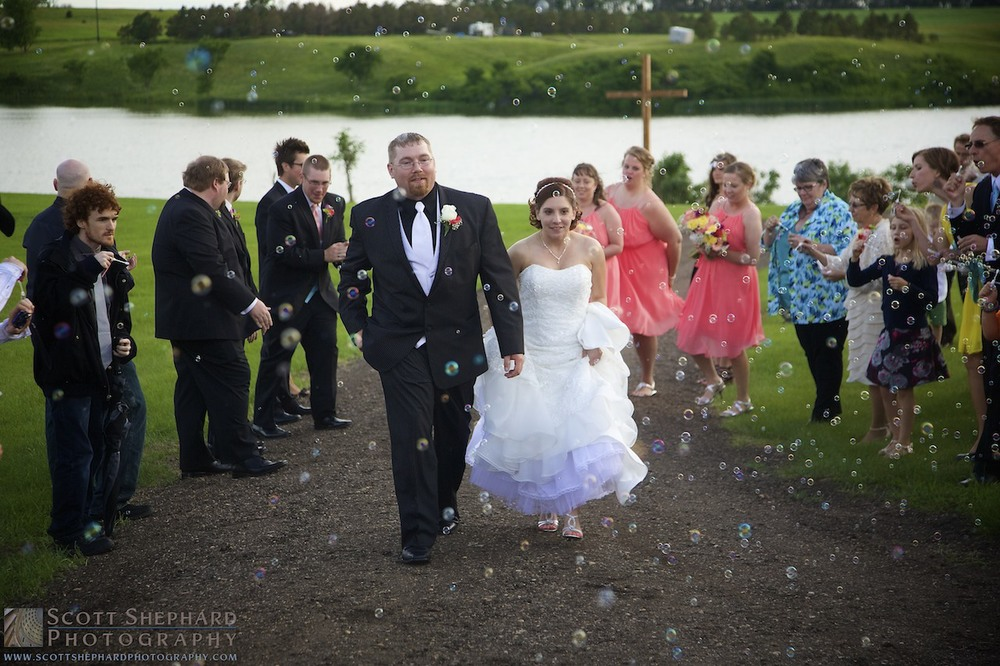 2014 06-29 Newlyweds by Watertown, South Dakota, photographer Scott Shephard