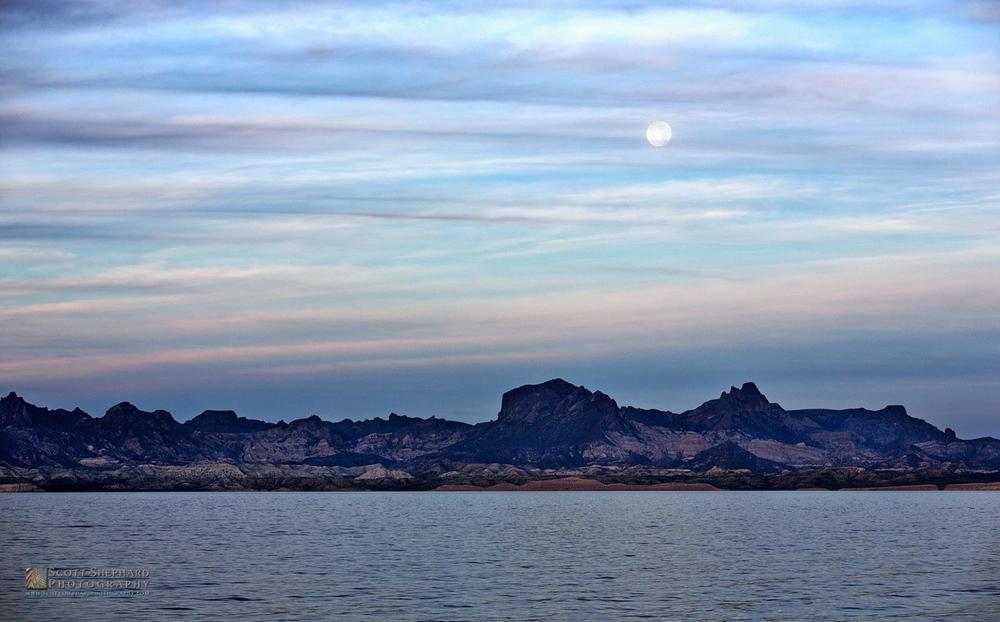 2015 02-21 Moonset Baja