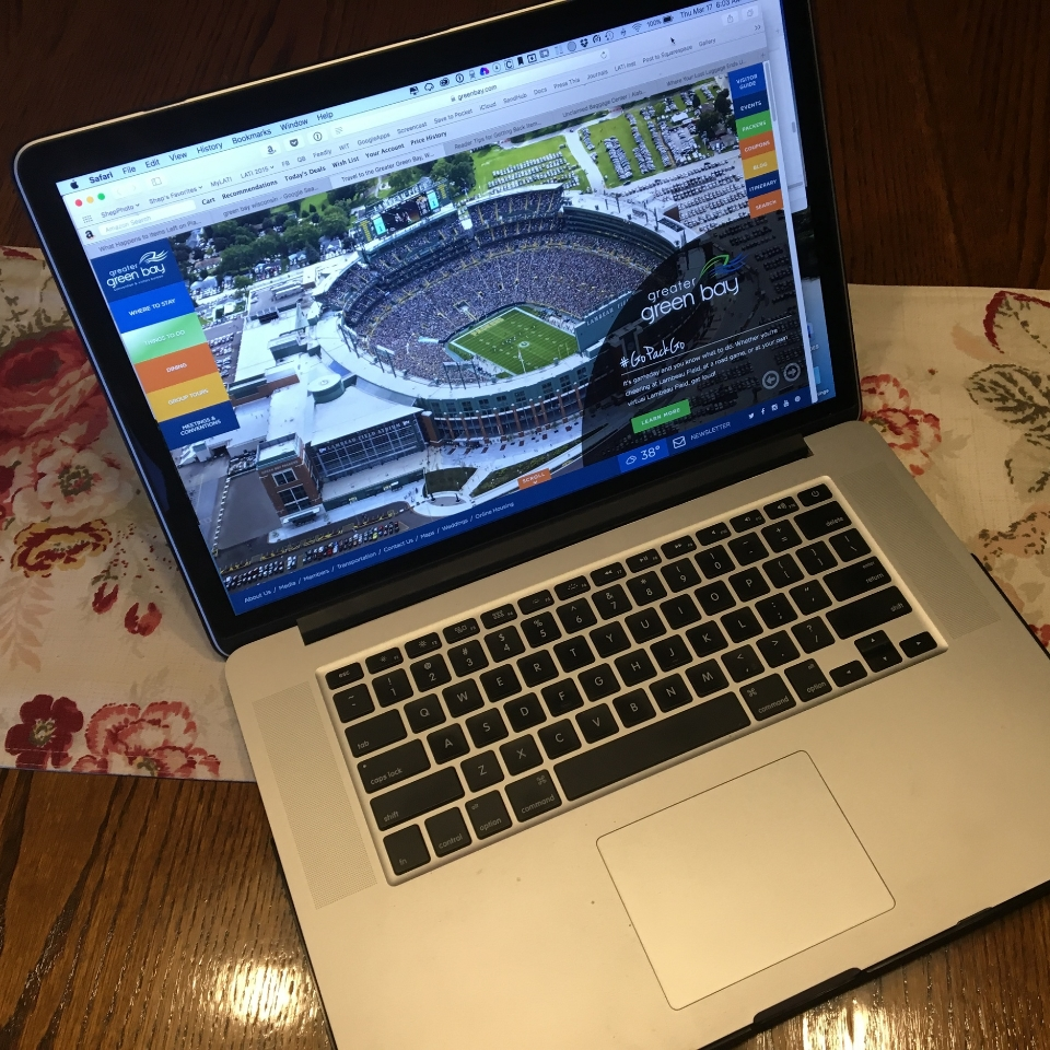 My Laptop and Green Bay.jpg