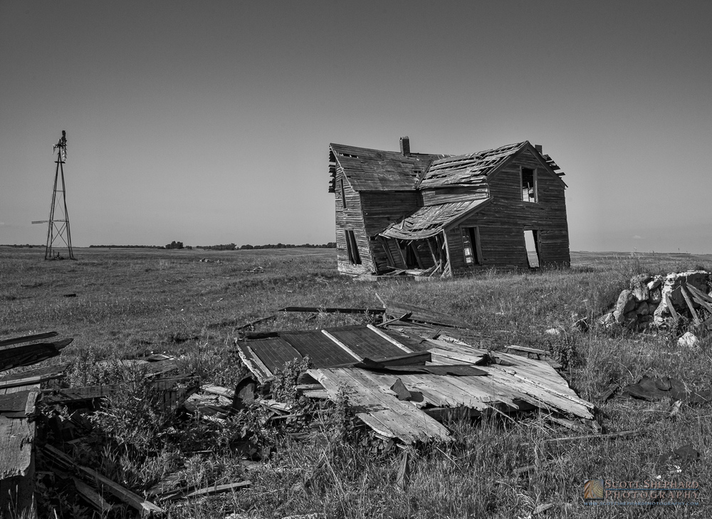 Old Farm House - North of Miller, SD.jpg