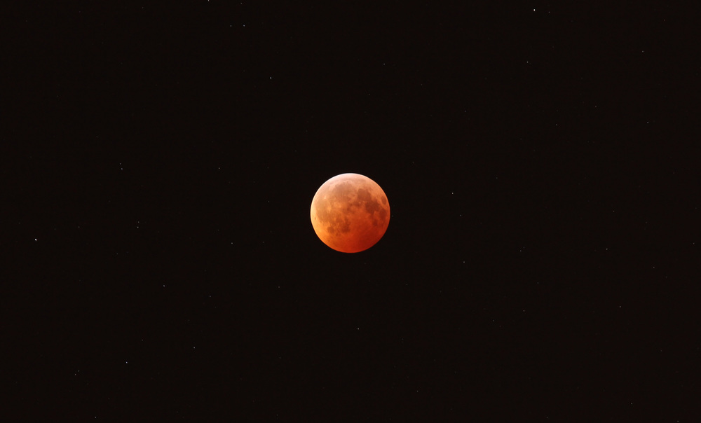 The December 2010 Total Lunar Eclipse as seen from Mississauga.