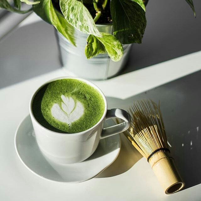 If you are in Sylvan lake stop by @timbercoffeeco next week they are going to be making some wicked looking Matcha Lattes!! #matcha 📸 @jessebobessy