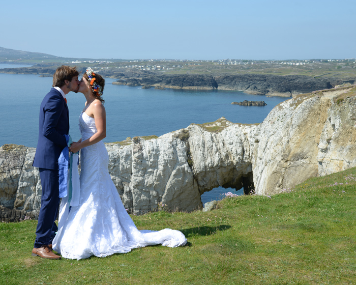 2431 Anglesey wedding photography.jpg