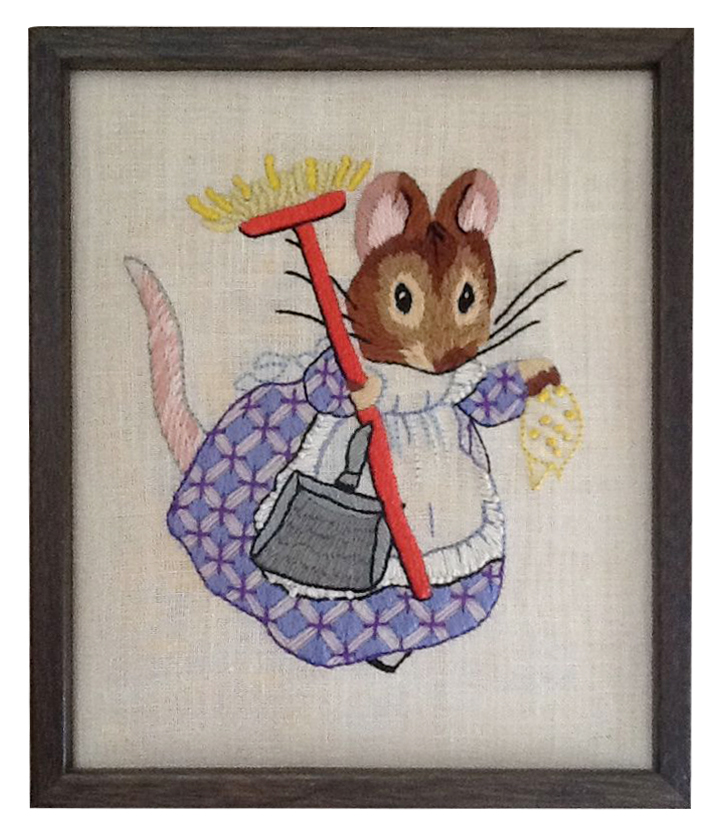 Object: Mouse embroidery Size: In the range of 20-24cm x 25-30cm Age when given: 27 Date when given: November 2012 Location: Eugene, Oregon