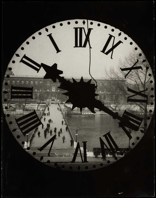 andrc3a9-kertc3a9sz-clock-of-the-acadc3a9mie-franc3a7aise-1929.jpg