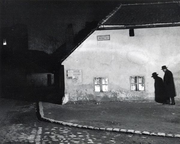 andre-kertesz-untitled-budapest.jpg