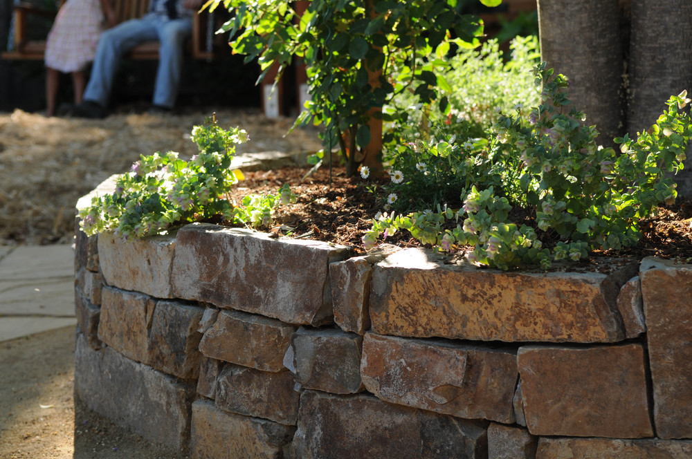 Dry-stacked stone wall- detail  Design and construction: Doniel Ellis Designs