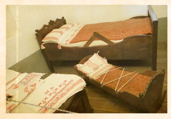(fotografije iz Prešernove rojstne hiše v Vrbi na Gorenjskem)