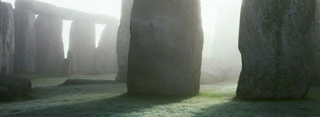 stonehenge+mysterious+fog.jpg