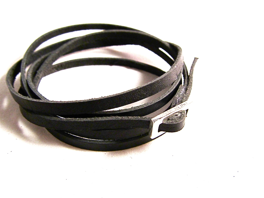 black with silver band.JPG