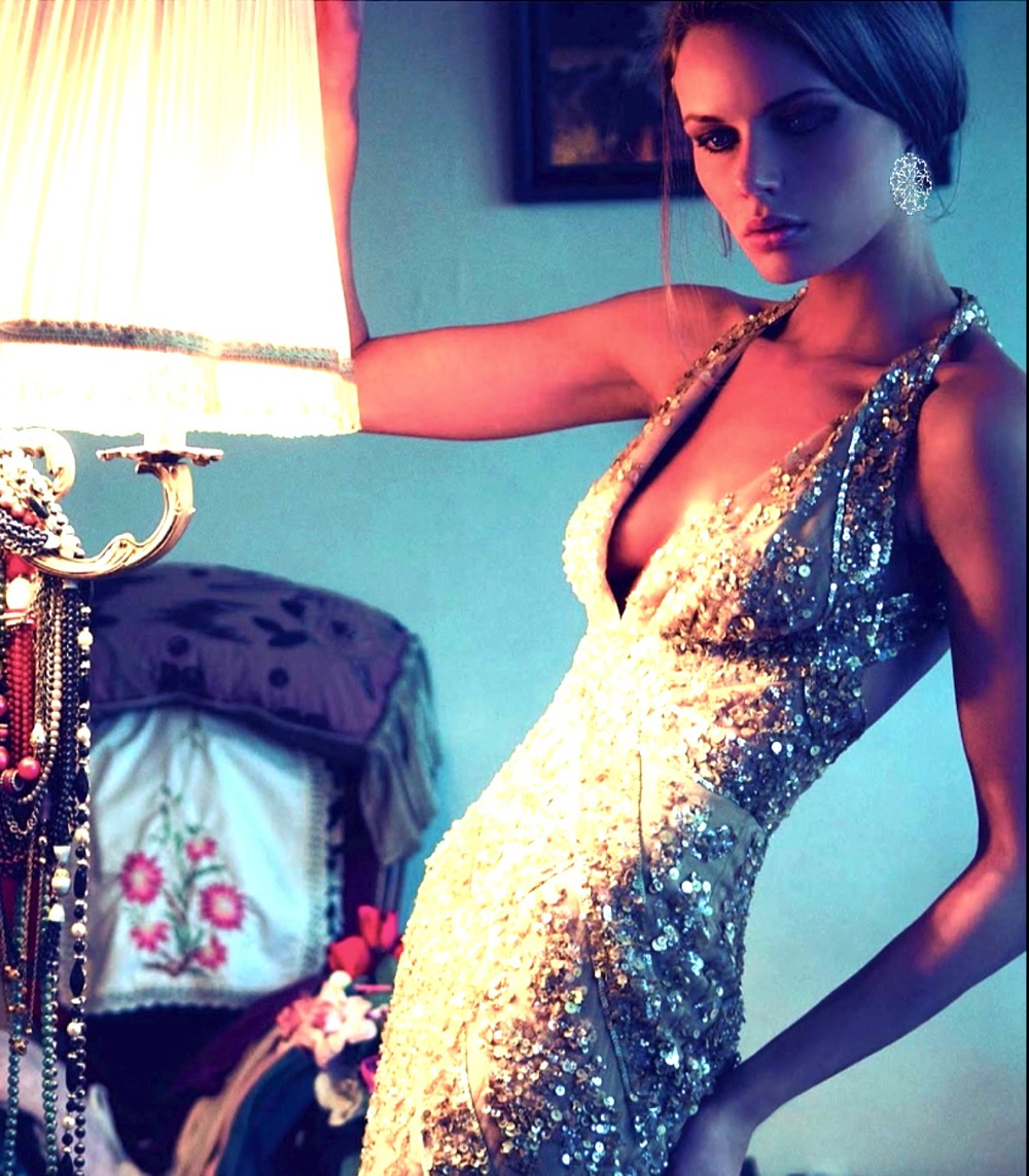stunning woman in sequin.jpg