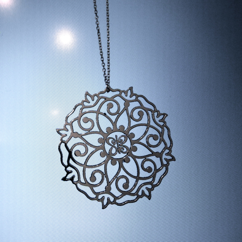 mandala necklace -2.jpg