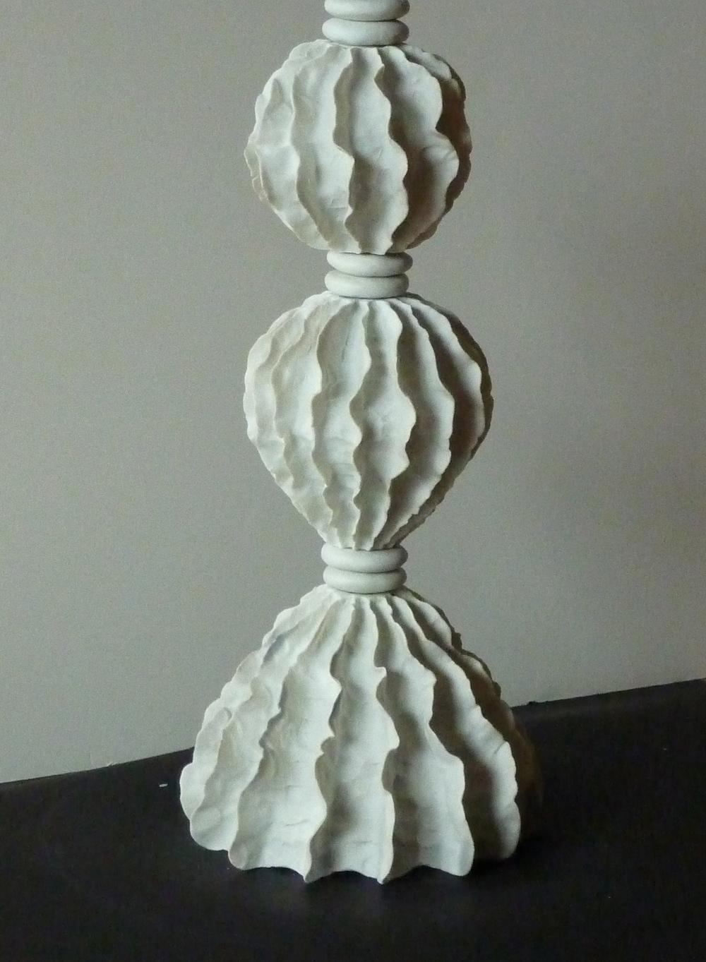 Wavy Porcelain lamp