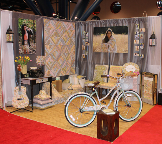 quiltmarketbooth1.jpg