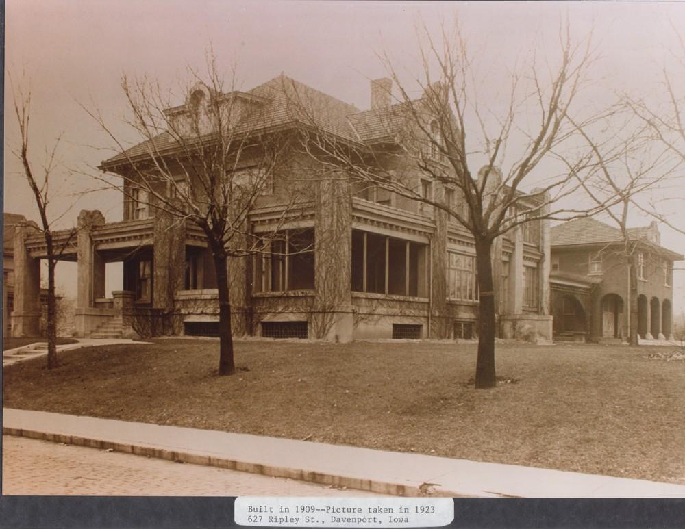 alamo exterior 1923.jpg