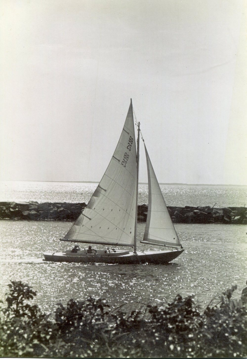 N.G. Herreshoff Buzzards Bay 25