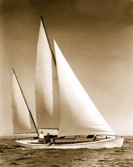 Arion, S.Herreshoff 42' - Early sail.