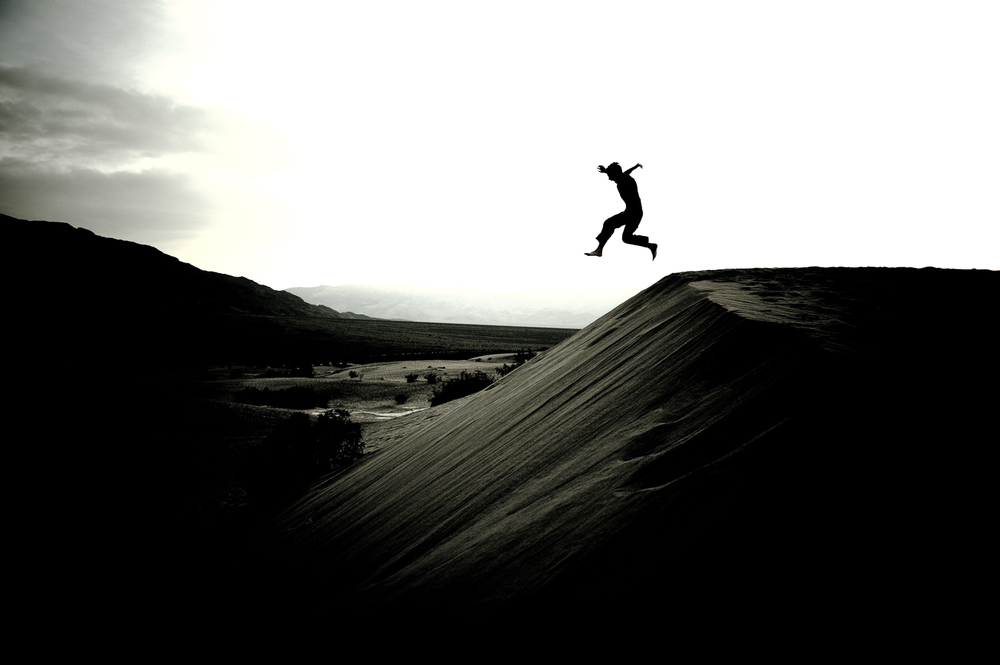 Boy_sand_dune_death_valley_print