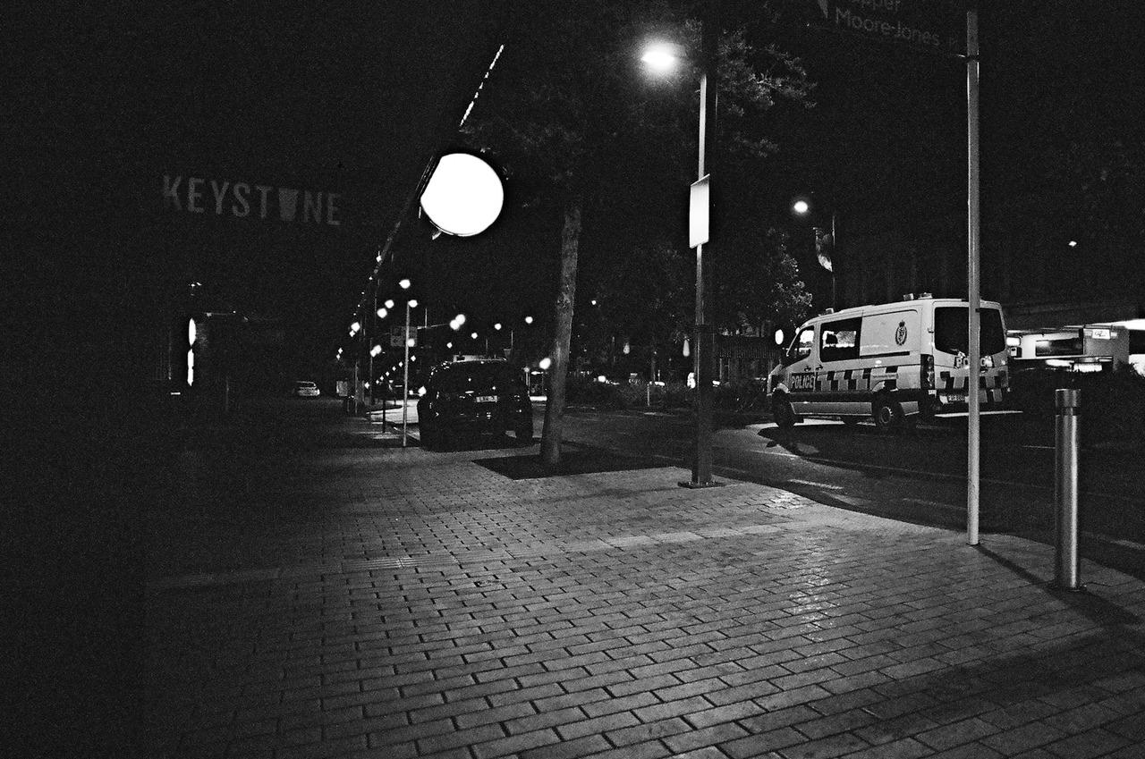 Olympus OM-1 + Kodak 200
