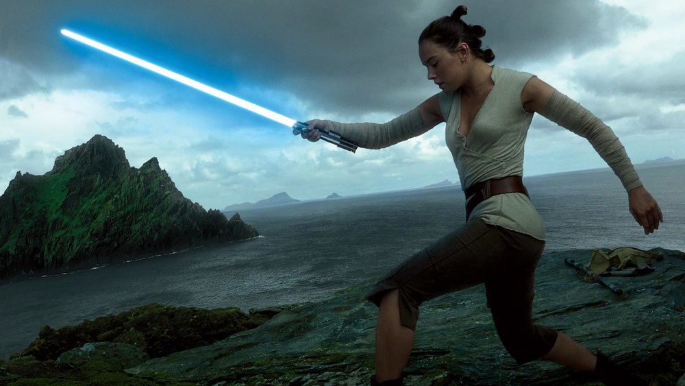 rey-lightsaber-training-star-wars-the-last-jedi-wallpaper-8105.jpg