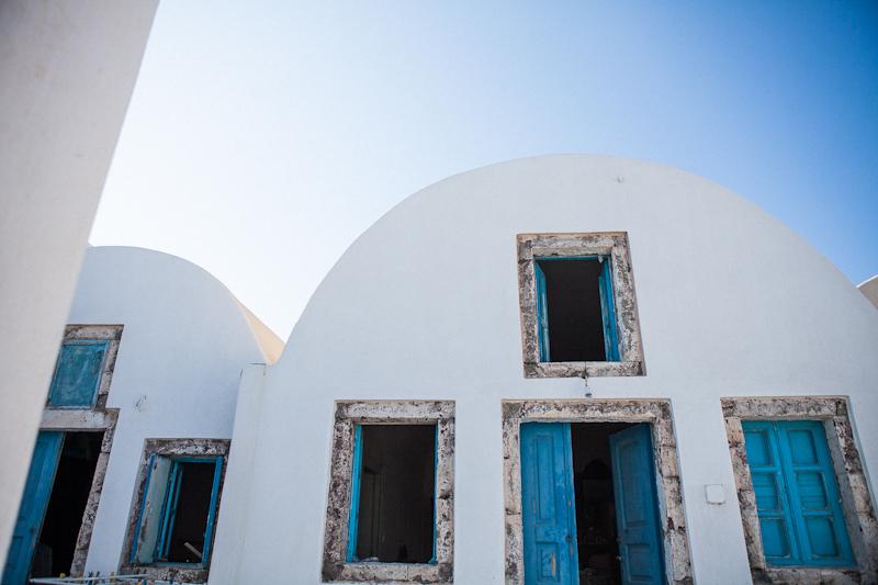 Fernwehosophy-Summer-Santorini-Travel-Destination-Wedding-Photographer-Sandra-Marusic (54).jpg