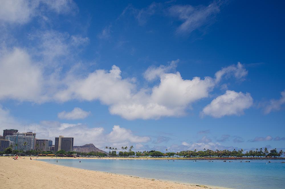 02_Oahu-HNL-Ala Moana Beach- Blick auf Diamond Head Krater.jpg