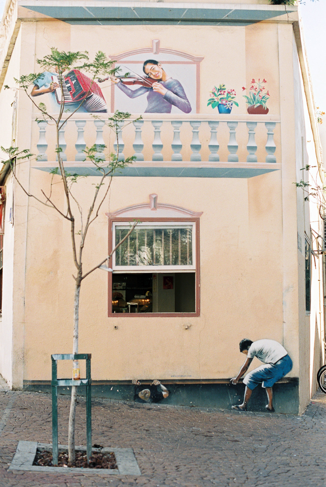 IsabelleHesselberg-TelAviv-Israel-Fuji400H-FilmPhotographer-53.jpg