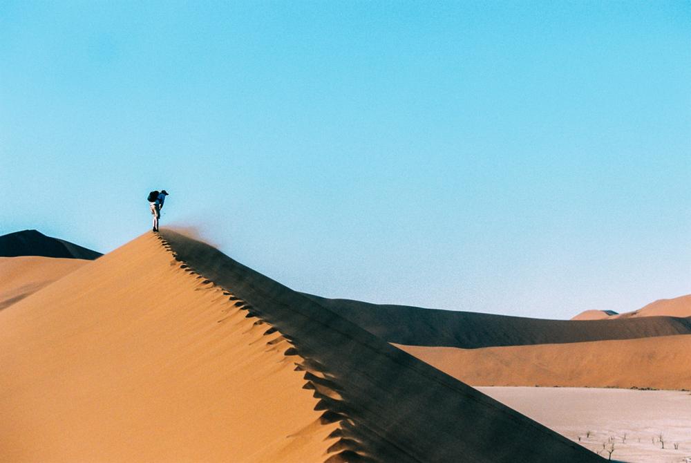 Fernwehosophy-Roadtrip-Namibia-Sossusvlei-Elisaveta-Schadrinesse1 (12 von 23).jpg