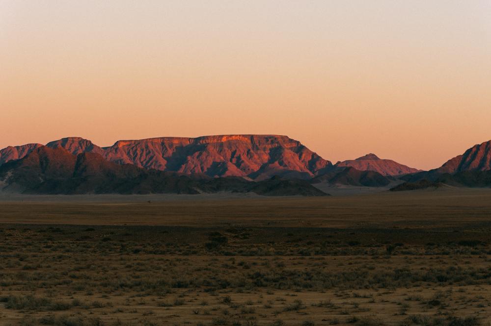 Fernwehosophy-Roadtrip-Namibia-Sossusvlei-Elisaveta-Schadrinesse (220 von 222).jpg