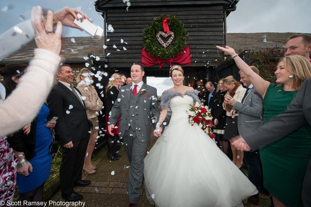 Upwaltham Barns Wedding Confetti 15121231