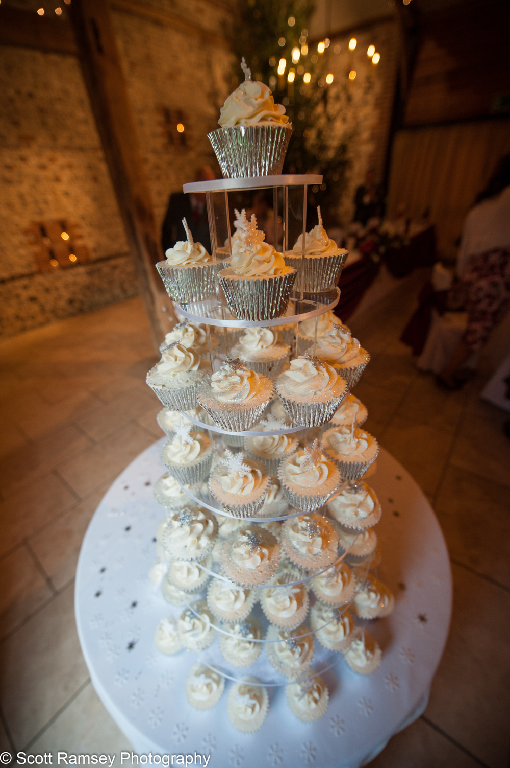 Upwaltham Barns Wedding Cup Cakes 15121234