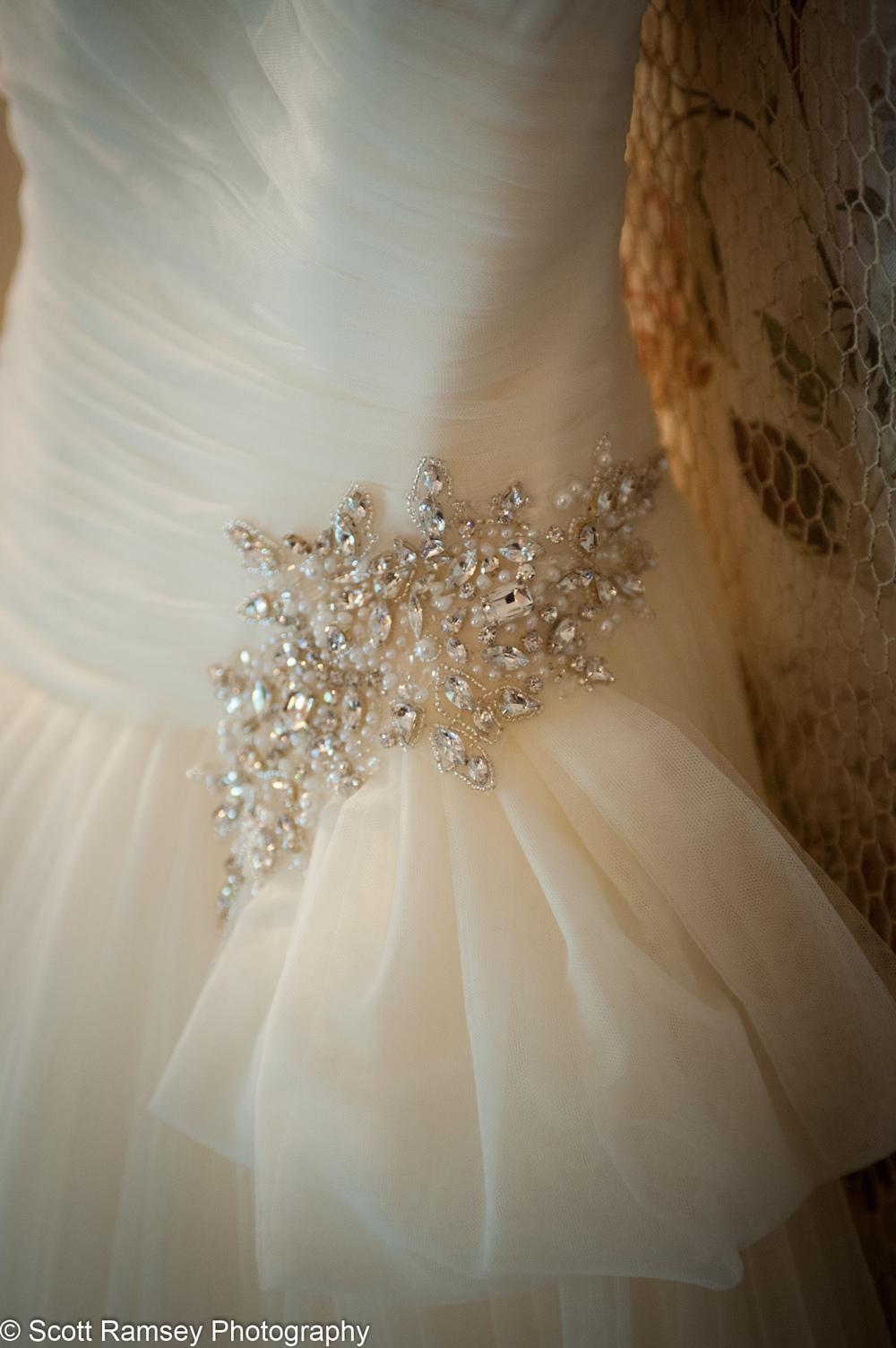 Wedding Dress Upwaltham Barns 15121201
