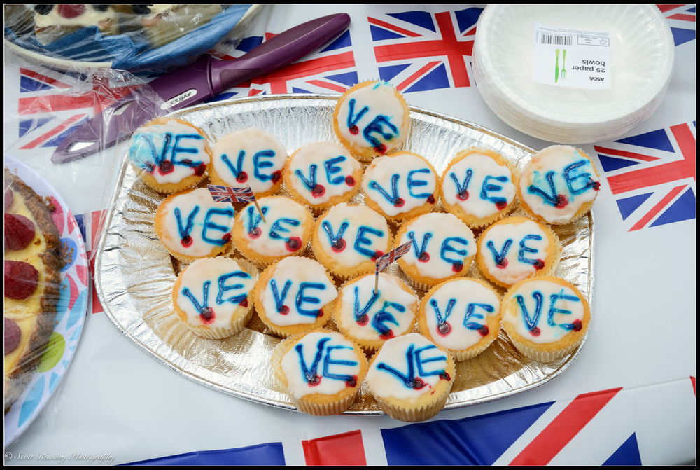 VE Day cupcakes made by the residents of    Nettlecombe Avenue in Southsea, Portsmouth during a VE Day 70th   anniversary street party. © Scott Ramsey Photography.