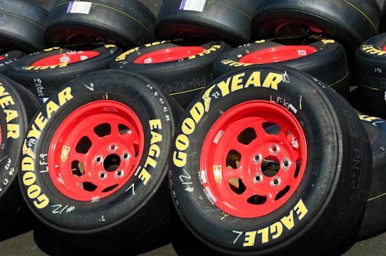 NASCAR, tires, pit