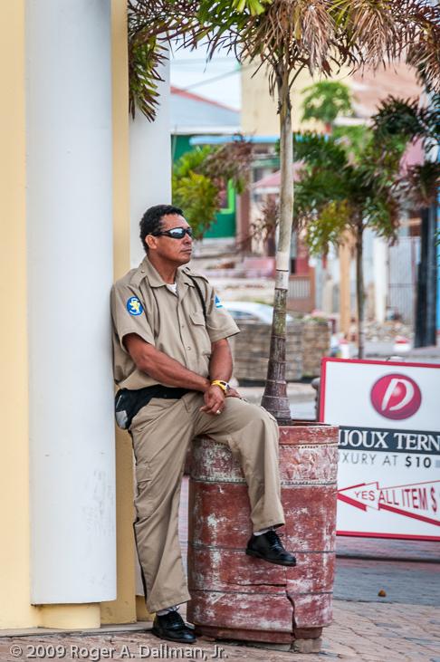 policeman in Aruba