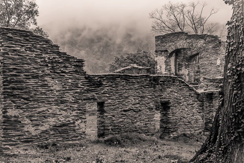 Harpers Ferry ruins--Photo by Rich Walker